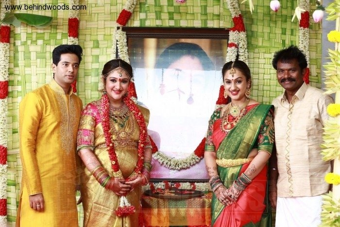 actress-sridevi-vijaykumar-baby-shower-stills-photos ...