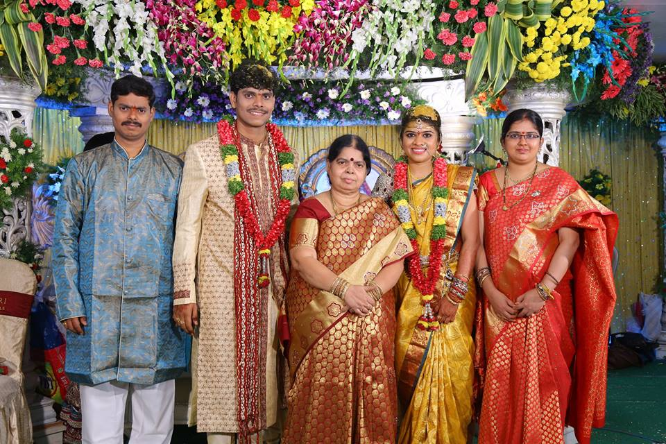 Singer Manasa Acharya Photos, Family, Wedding Gallery