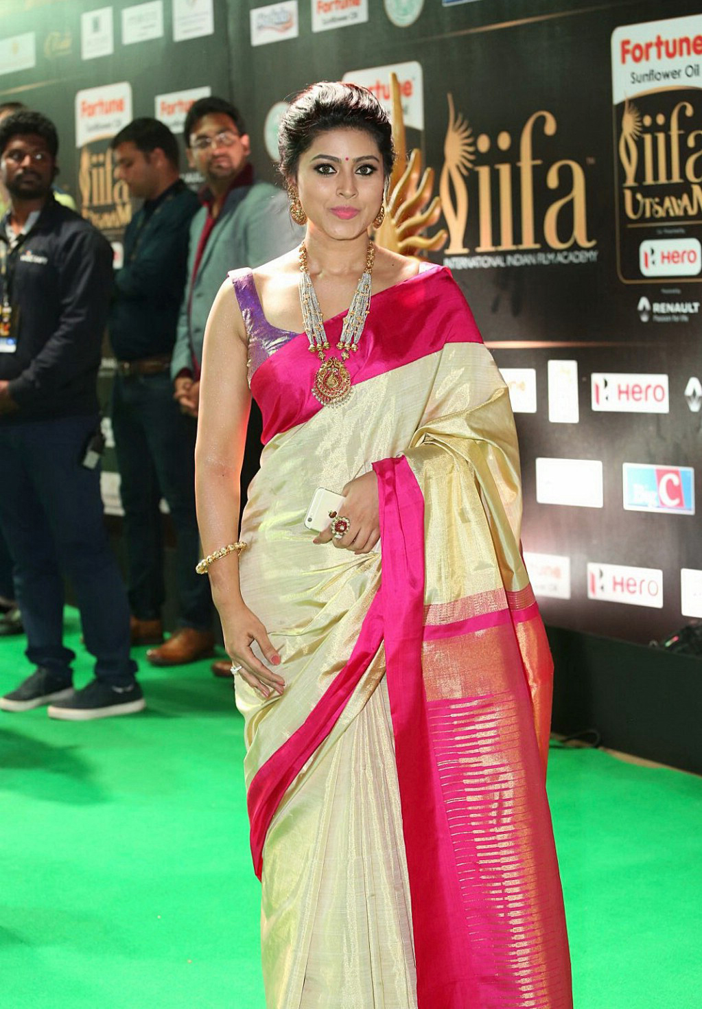 sneha in traditional saree