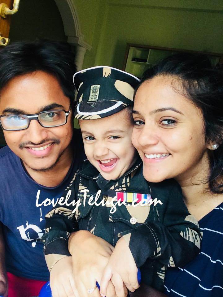 Mogalirekulu actor Hari Krishna Family photos
