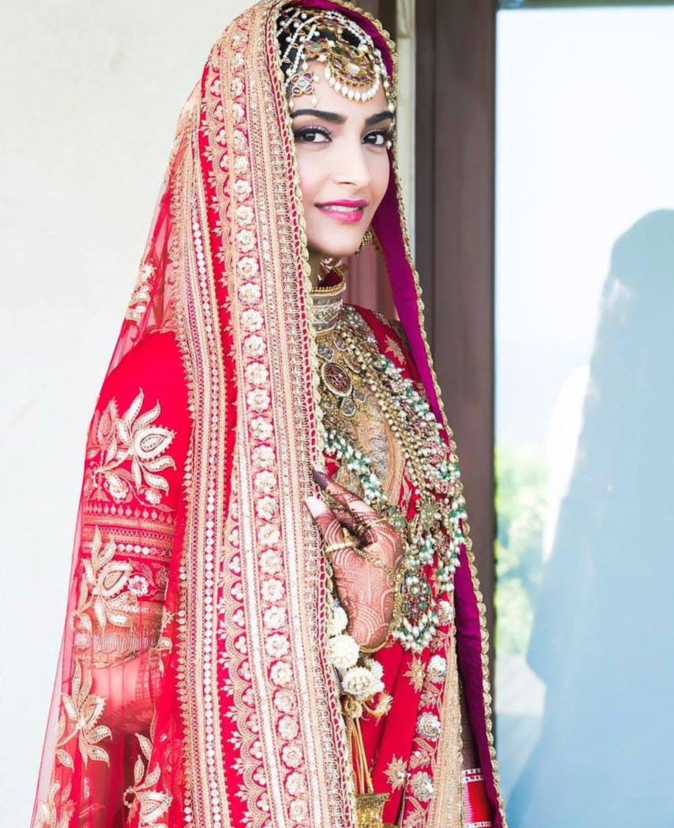 Sonam Kapoor and Anand Ahuja's Unseen Wedding Photos