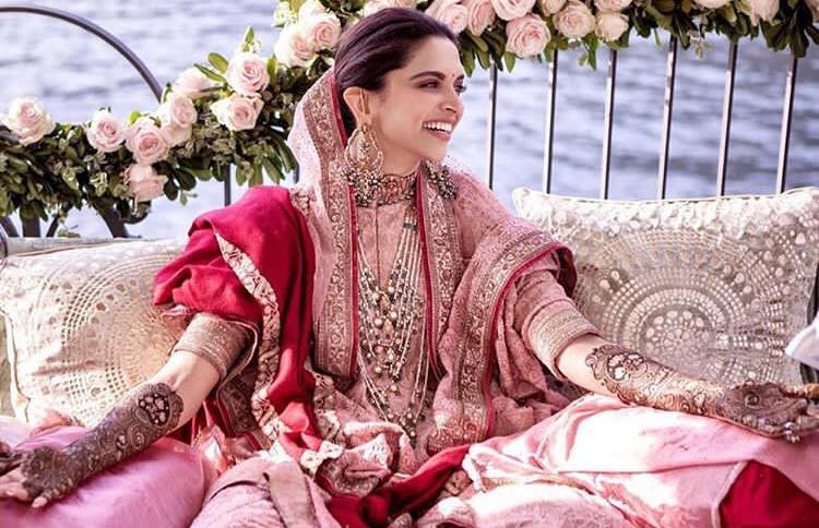 Deepika Padukone and Ranveer Mehendi Photos